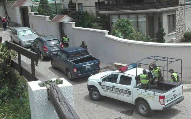 Confirma AMLO disminución de vigilancia a Residencia y Embajada mexicana en Bolivia - Embajada de México en Bolivia