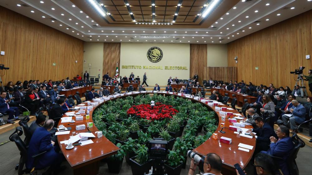 INE resolverá procedencia de solicitud de registro como partido político en junio de 2020 - Sesión del INE. Foto de Notimex
