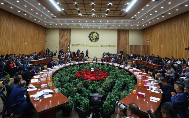 Afinan convocatoria para elegir a nuevos consejeros del INE - Sesión del INE. Foto de Notimex