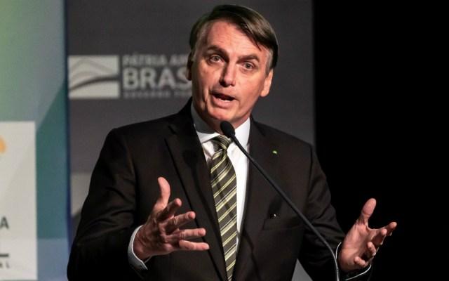 Bolsonaro carga contra Francia al defender la minería en tierras indígenas - Foto de EFE