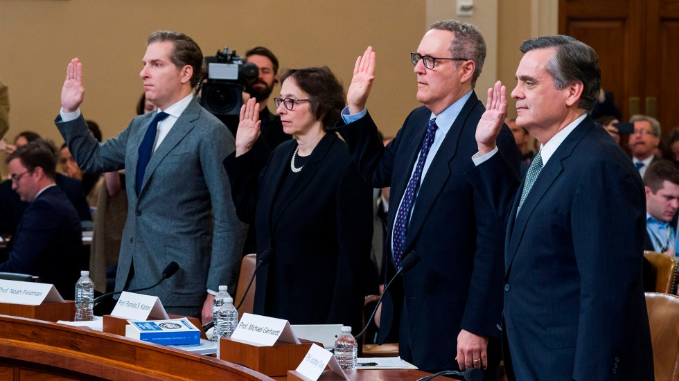 Juristas coinciden en que Trump abusó de su poder en caso Ucrania - Juristas especialistas en derecho constitucional, citados a declarar por los demócratas. Foto de EFE