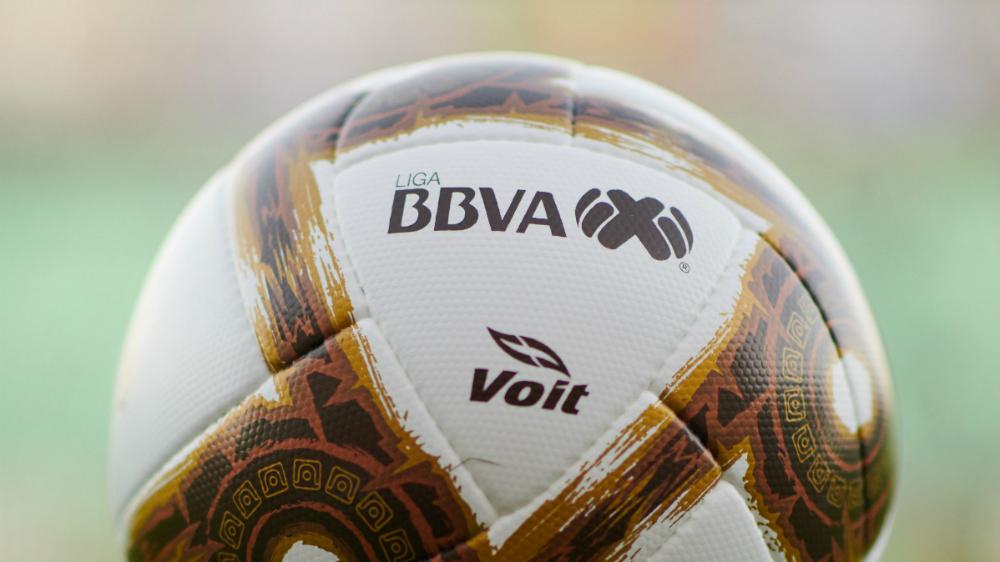 Suspenden saludo de mano en partidos de Liga MX por coronavirus - En la foto, el balón de la Liga MX. Foto de Mexsport