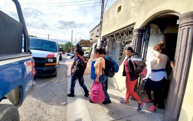 Dan cuatro años de cárcel a mujer que trasladaba indocumentados - Rescatan a 21 migrantes centroamericanos en Tamaulipas