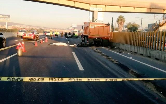Mueren dos motociclistas tras chocar contra camión en la México-Puebla - Mueren dos motociclistas tras chocar contra camión en la México-Puebla