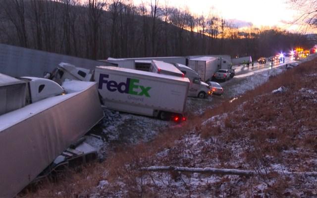 #Video Carambola en Pennsylvania deja dos muertos y al menos 44 heridos - Carambola en Pensilvania
