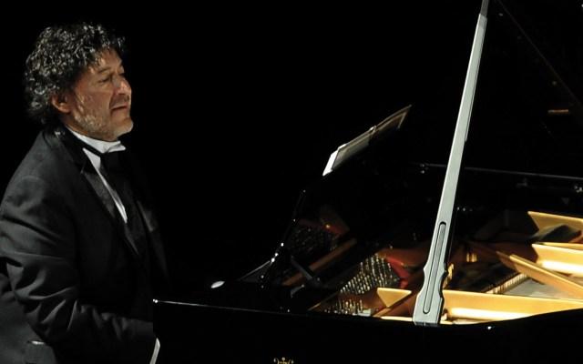 Murió el pianista Carlos Alberto Pecero - Foto de @OFCMex