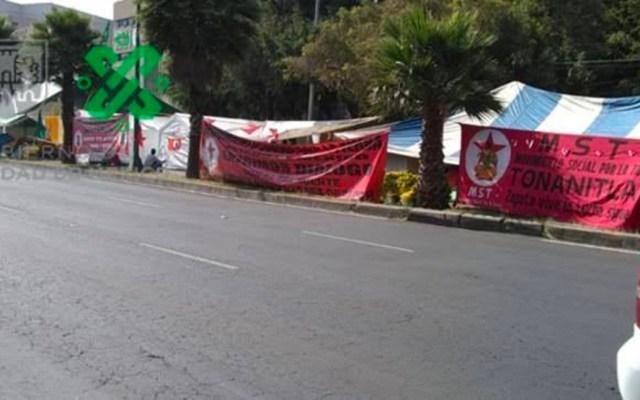 UNTA mantiene plantón por tercer día frente a la Sedatu en Coyoacán - Plantón afuera de la Sedatu