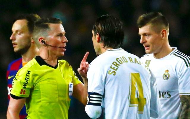 """""""Se ve bastante claro que son dos penaltis"""", recrimina Sergio Ramos al VAR - Sergio Ramos reclama al árbitro"""