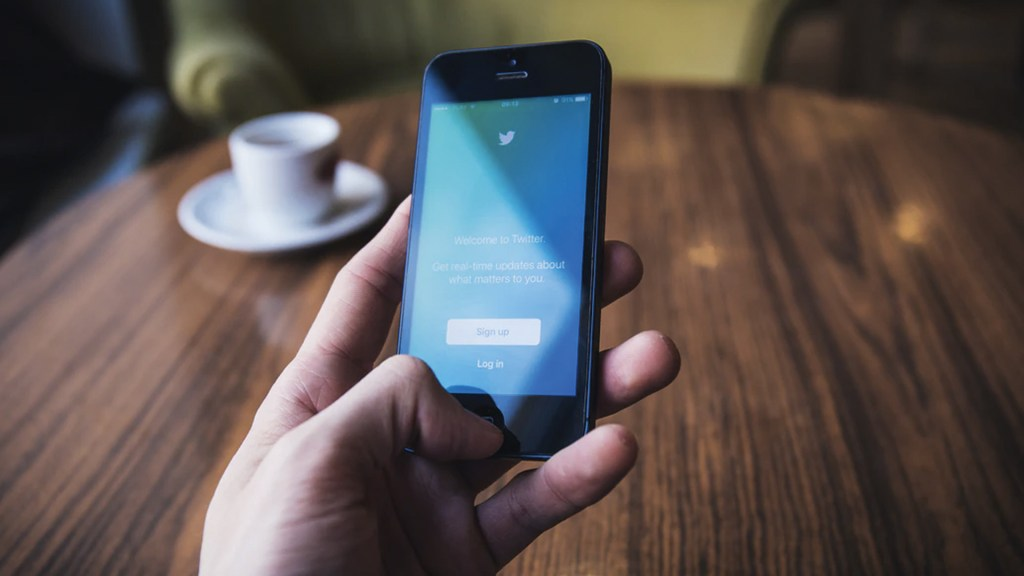 Twitter elimina 88 mil cuentas que propagaban noticias falsas - Foto de reestocks.org @freestocks
