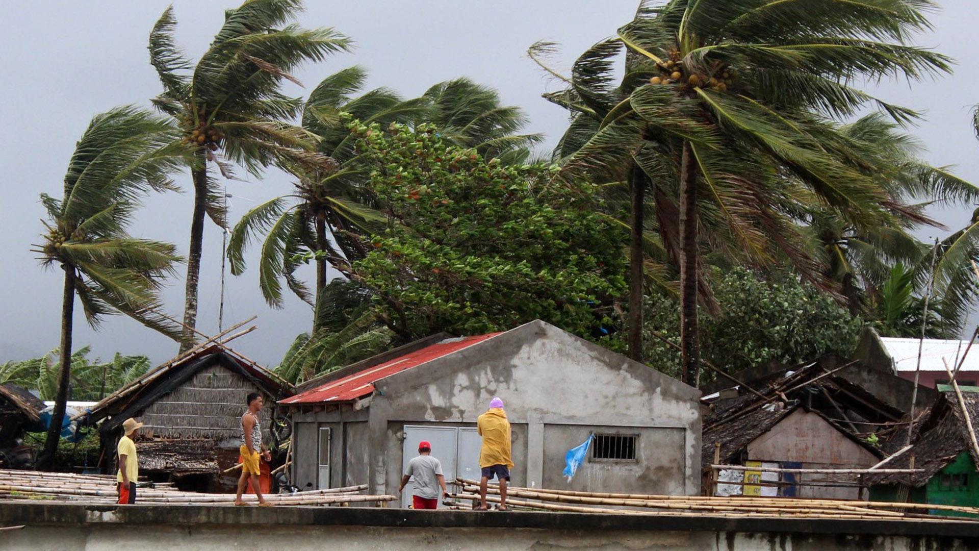 Vientos fuertes en Filipinas por tifón. Foto de EFE