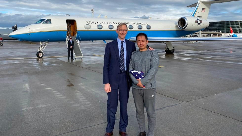 """Trump afirma a Irán que pueden """"hacer un trato juntos"""", tras intercambiar presos - Regresa el investigador estadounidense Xiyue Wang, tras ser liberado en Irán"""
