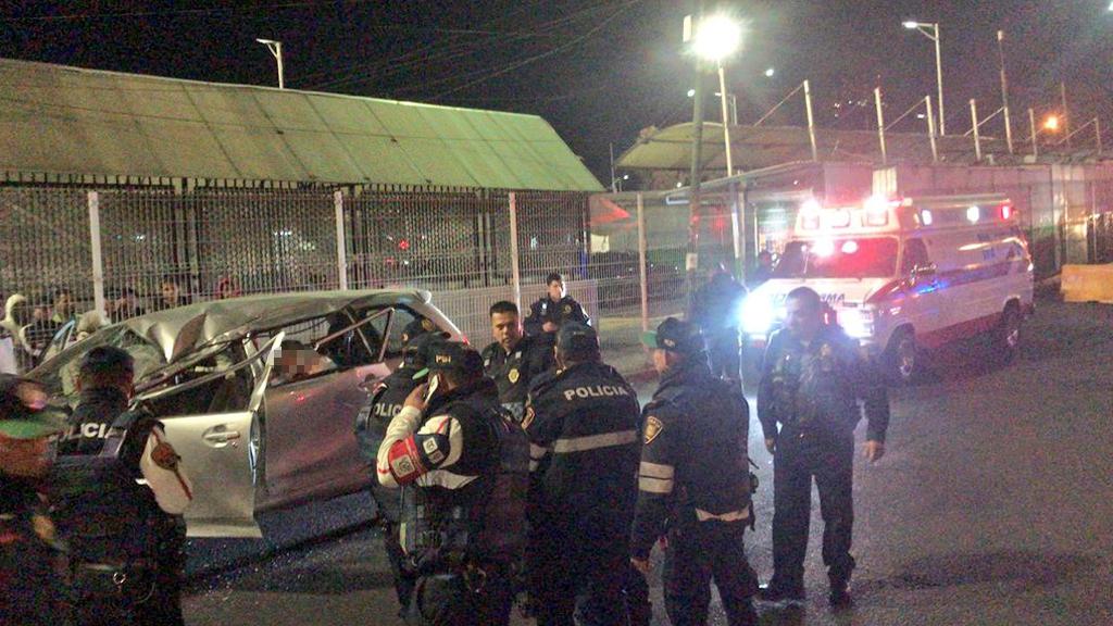 Muere mujer en Indios Verdes por fuerte choque - Accidente vial frente al Paradero de Indios Verdes. Foto de @luizalane76