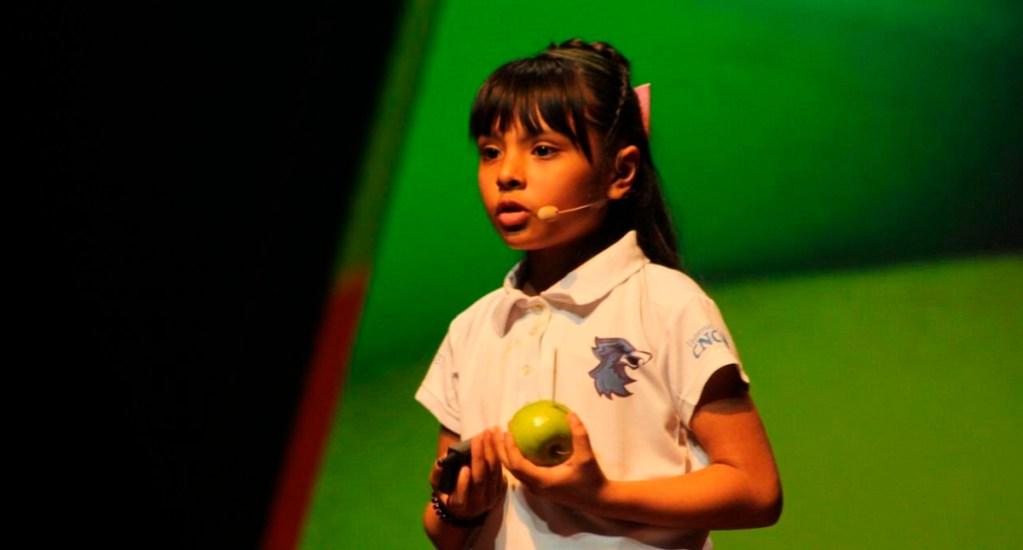 NASA invita a niña genio mexicana a visitar el Centro Espacial Johnson - Adhara Pérez en el Festival Internacional de Mentes Brillantes. Foto de @RicardoBSalinas