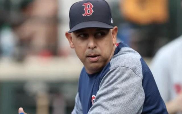 Red Sox acuerda separación del manager Alex Cora - Foto de @barstoolsports