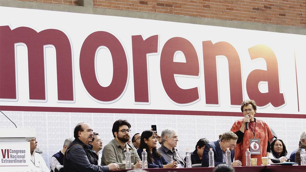 """AMLO opta por """"silencio no cómplice"""" en proceso interno de Morena - Bertha Luján, presidenta del Consejo Nacional de MORENA, encabeza el VI congreso nacional extraordinario de Morena."""