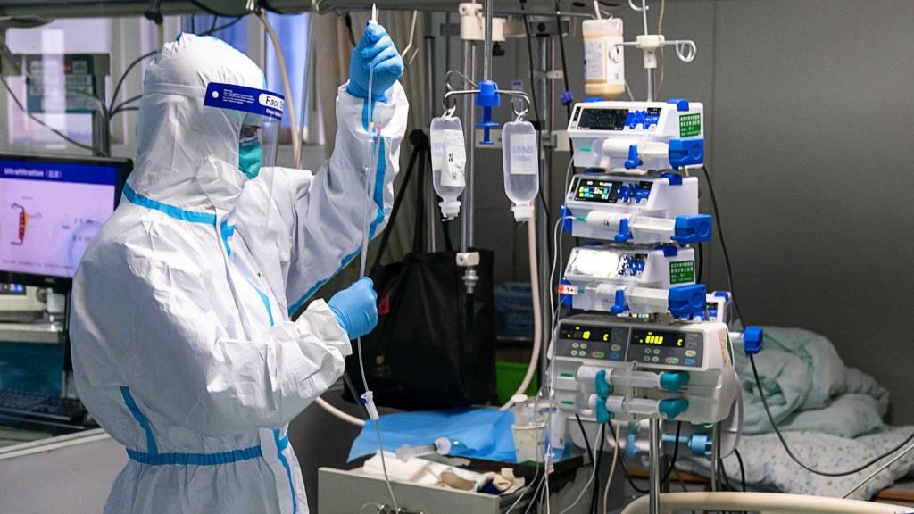 México para nada minimiza el coronavirus, afirma director de Epidemiología - Atención del coronavirus en China. Foto de EFE