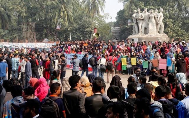 Violación de una estudiante desata protestas en la mayor universidad de Bangladesh - Foto de EFE
