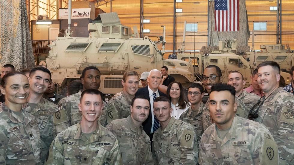 Mike Pence visitó en Thanksgiving la base militar atacada en Irak - Foto de Twitter Mike Pence