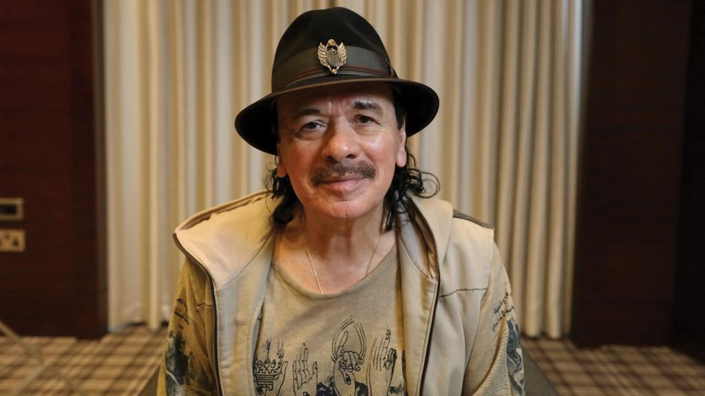 Carlos Santana comercializará sus propios productos de mariguana - Foto de EFE