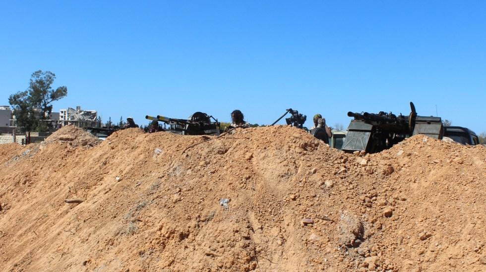 Liga Árabe considera que intervención turca en Libia 'enciende' el conflicto - El antiguo Aeropuerto Internacional de Trípoli, en desuso desde 2014, es escenario de combates para la conquista de la ciudad. Foto de EFE