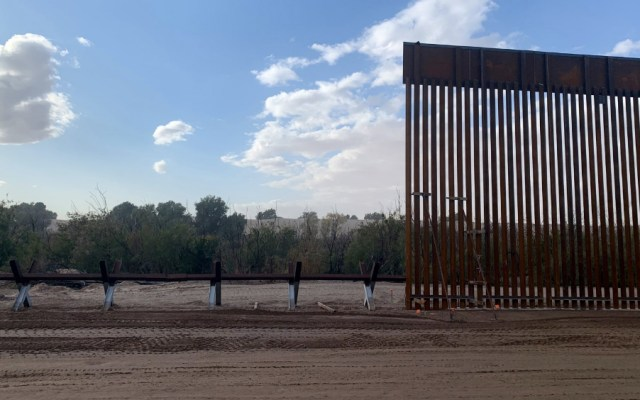 EE.UU. presume de haber construido ya 160 kilómetros del muro fronterizo - Foto de @DHS_Wolf