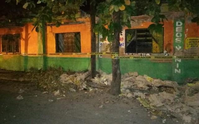 Sismo magnitud 6 dejó daños en Chiapas y Oaxaca - Daños por sismo en una casa abandonada de Tonalá, Chiapas. Foto de @manacochiapas