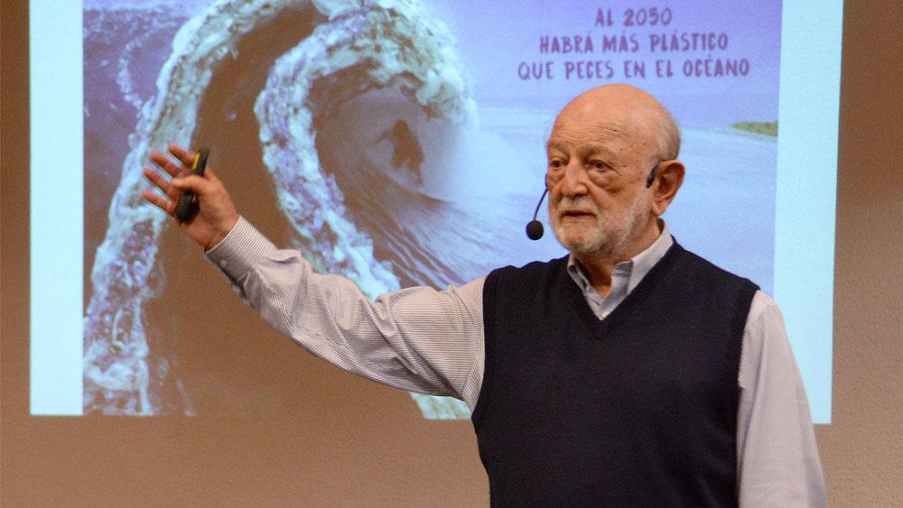 Especie humana ha crecido y se ha apoderado del planeta, afirma José Sarukhán - Especie humana ha crecido y se ha apoderado del planeta, afirma José Sarukhán