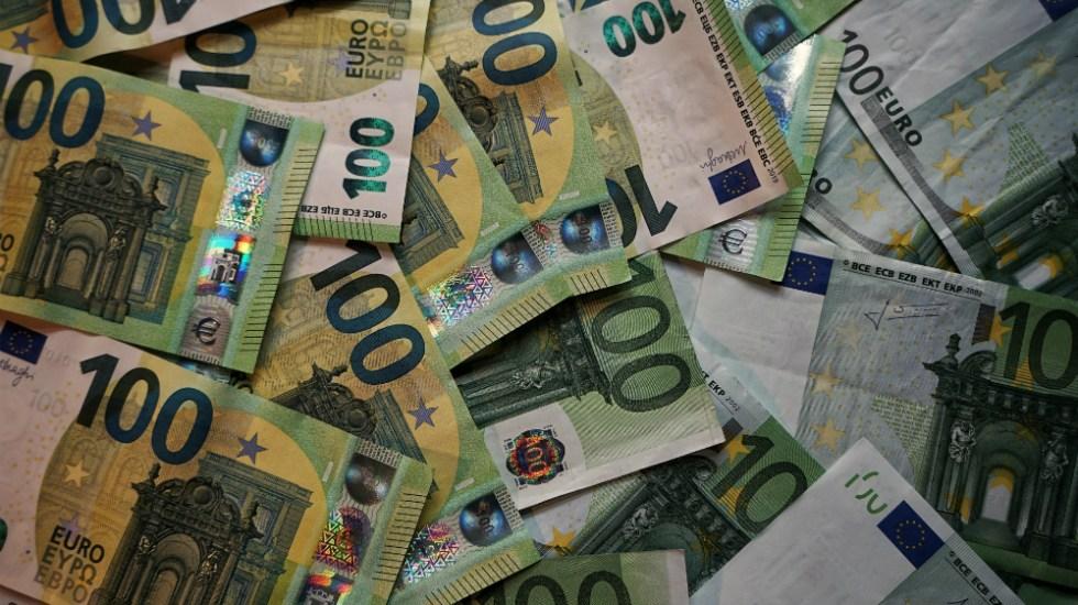 México coloca mil 750 millones de euros en bonos - Foto de Robert Anasch para Unsplash
