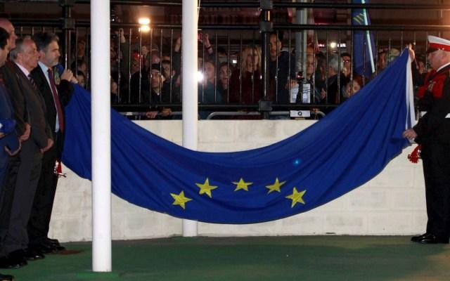 Gibraltar se despide de la UE con el retiro de la bandera europea - Gibraltar Unión Europea Bandera ceremonia