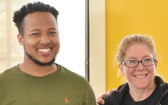 Joven recibe comida gratis por un año tras ayudar a frustrar secuestro - Greensboro Biscuitville joven secuestro