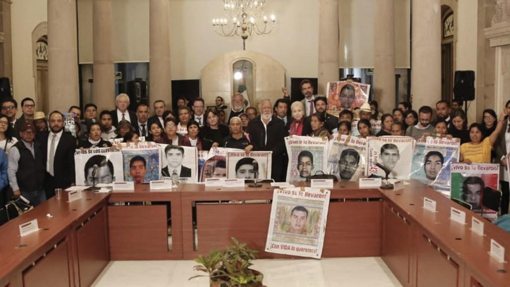 Formalizan reinstalación del GIEI en el caso Ayotzinapa - Foto de Twitter Alejandro Encinas