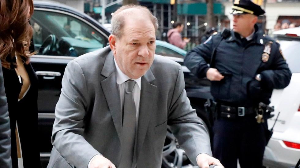 Juez de Nueva York ordena elegir al jurado del caso Harvey Weinstein - Harvey Weinsteins a su llegada a la Corte Suprema de Nueva York. Foto de EFE