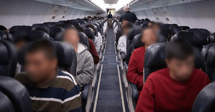 EE.UU. envía primer vuelo de mexicanos deportados de 2020 - Foo de ICE