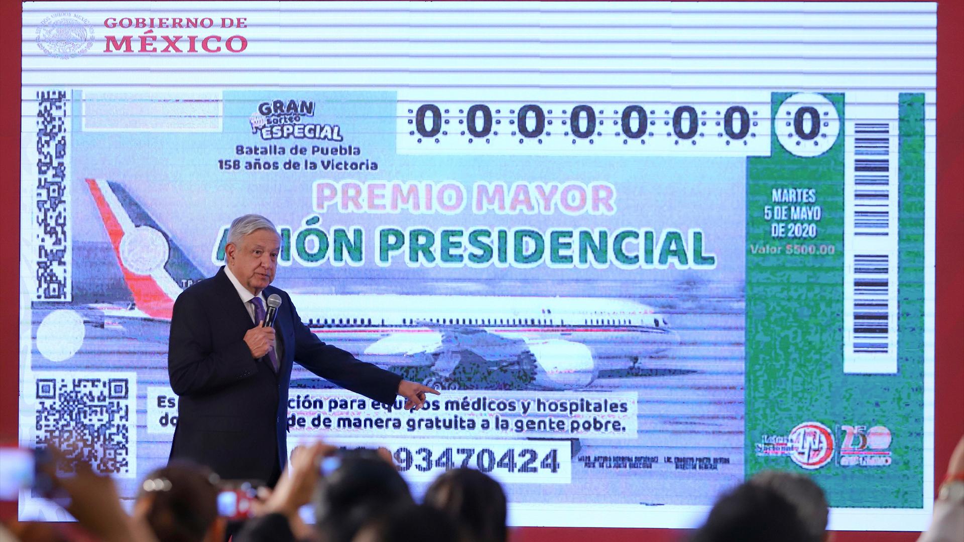 El presidente Andrés Manuel López Obrador, durante sesión de preguntas y respuestas en su conferencia matutina del día de hoy. Ciudad de México, 28 de enero de 2020. Foto de Notimex-Gustavo Durán.