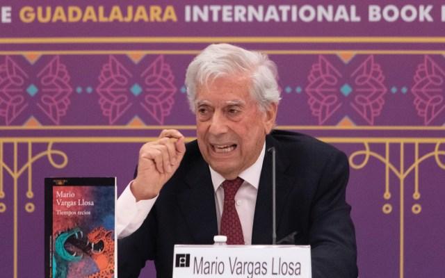 'Tiempos recios' de Vargas Llosa obtiene premio al libro del año en España - Foto de Feria Internacional del Libro de Guadalajara