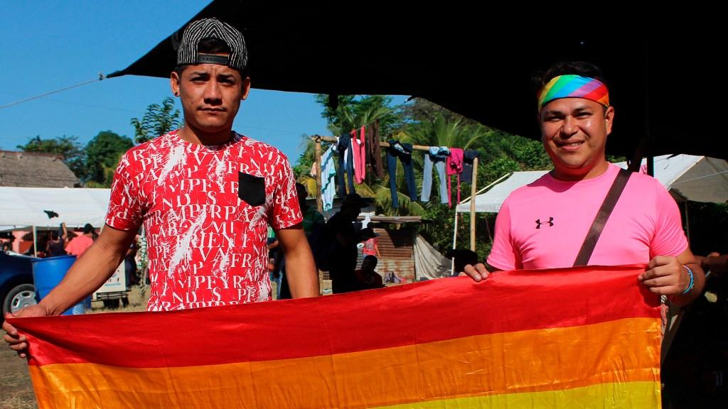 Migrantes homosexuales y trans piden ayuda a la comunidad LGBT de México - Migrantes LGBT. Foto de EFE