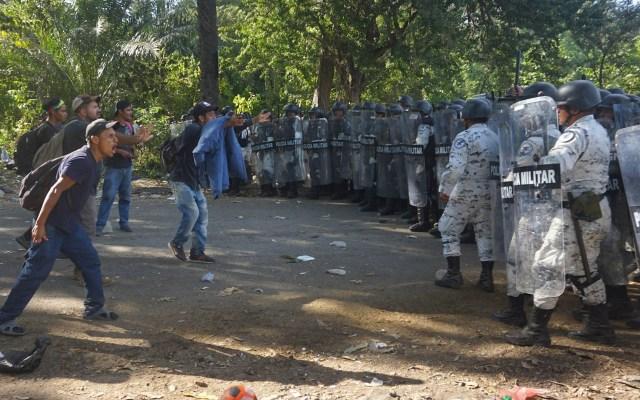 AMLO dice respetar opinión de Muñoz Ledo sobre Guardia Nacional; niega reunión - Militares Guardia Nacional Chiapas Migrantes 2