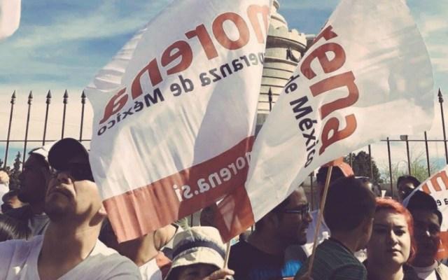 INE rechaza queja de Morena contra Enrique Alfaro y Dante Delgado - En la foto, banderas de Morena. Foto de Morena Sí