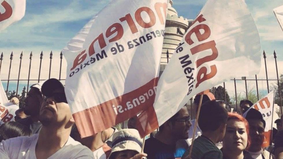 Mario Delgado adelanta que Tribunal Electoral cancelará encuesta para elegir nuevo presidente de Morena - En la foto, banderas de Morena. Foto de Morena Sí