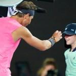 #Video La disculpa de Rafael Nadal tras pelotazo a recogepelotas en Abierto de Australia