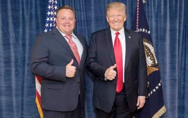FBI visita casa de donante de Trump implicado en trama ucraniana - FBI visita casa de donante de Trump implicado en trama ucraniana