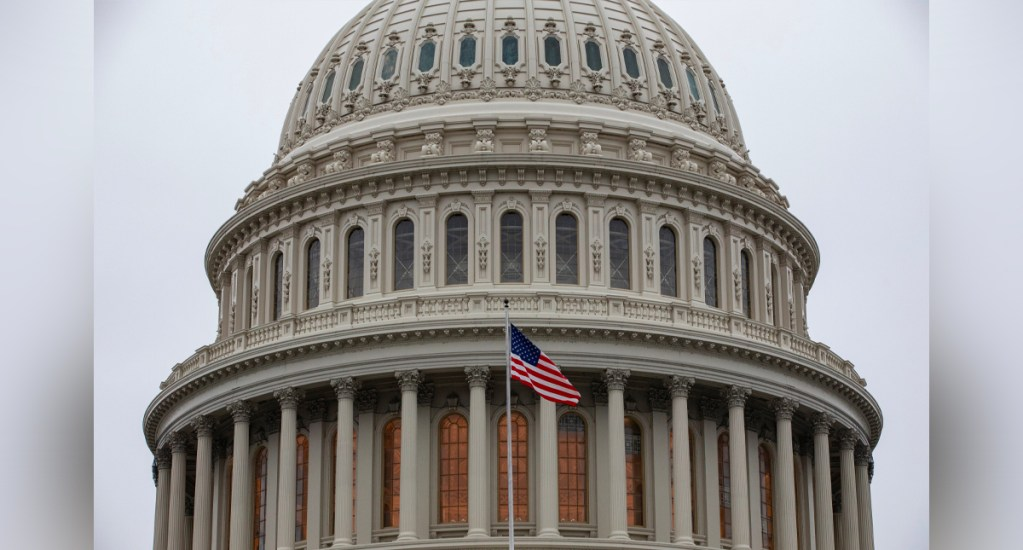 Senado de EE.UU. ultima nuevo paquete de estímulo para reactivar economía - Los abogados defensores de Donald Trump pidieron al Senado, controlado por los republicanos, que acabe