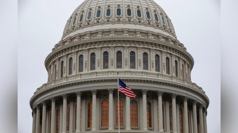 Senado de EE.UU. llega a un acuerdo para evitar el impago de la deuda nacional - Los abogados defensores de Donald Trump pidieron al Senado, controlado por los republicanos, que acabe