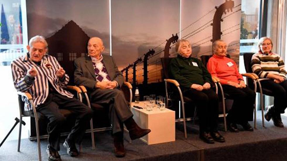 Sobrevivientes piden no olvidar lo sucedido en el Holocausto - Los exprisioneros Igor Malickij, David Lewin, Kseniia Olkhova, Lidiia Turovskaja y Maria Hoerl asisten a una reunión antes de las ceremonias del 75 aniversario de la liberación del campo de concentración y exterminio de la Alemania Nazi Auschwitz-Birkenau, en Oswiecim, Polonia. Foto de EFE