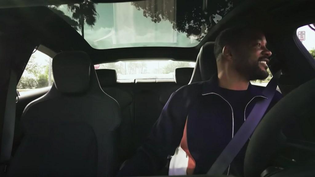 #Video Will Smith sorprende a clientes de app de transporte en Miami - Captura de pantalla