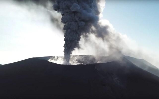 #Video Erupciona el Monte Shindake en Japón - Actividad del volcán Shindake en 2017. Foto de James Reynolds