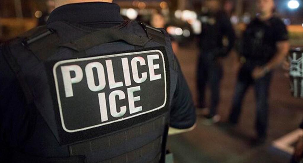 ICE asumirá casos de migrantes por la saturación en centros fronterizos - Agente de ICE. Foto de @ICEgov