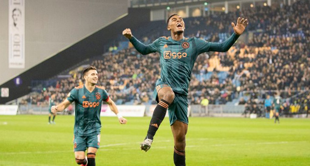 Ajax derrota al Vitesse y clasifica a la semifinal de la Copa - Ajax celebra gol contra el Vitesse. Foto de @AFCAjax