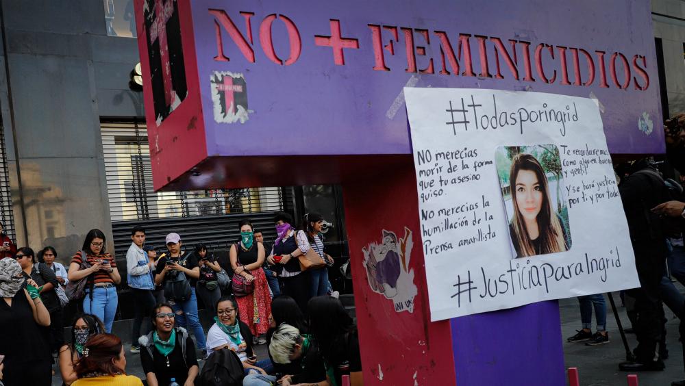 Mujeres del gobierno federal podrán participar sin represalias en paro nacional: AMLO - Foto de Notimex