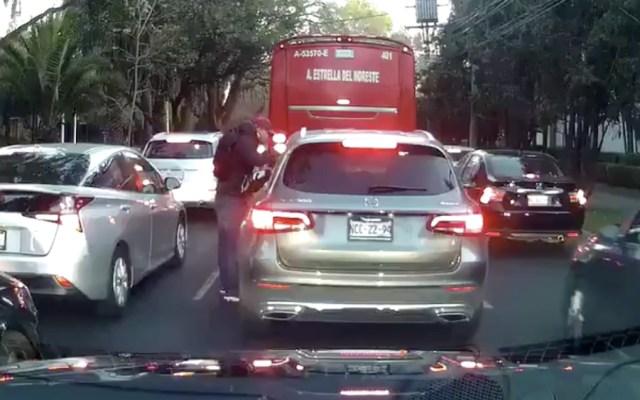 Graban asalto en Paseo de las Palmas de CDMX - Foto de @Ignaciocaride